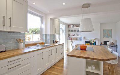 White Shaker kitchen in Newbury